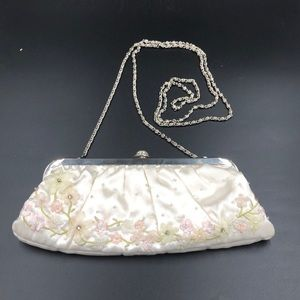 Valerie Stevens Ivory Floral Embroidered Clutch